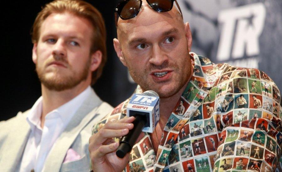 Tyson Fury szerint a klíma tényező lehet a Ruiz-Joshua visszavágón