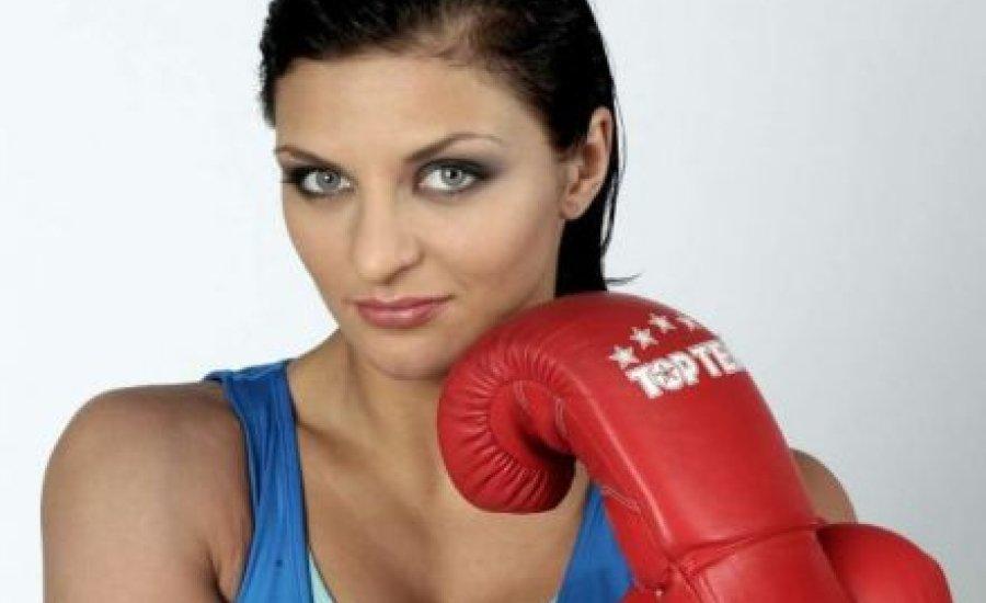Nyert a kiütött bokszolónő