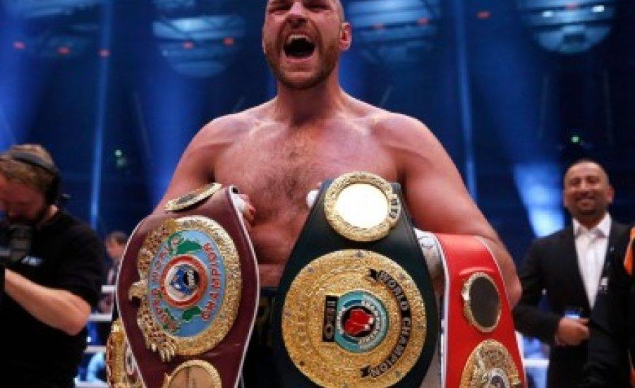 Elvehetik Tyson Fury IBF vébé-övét