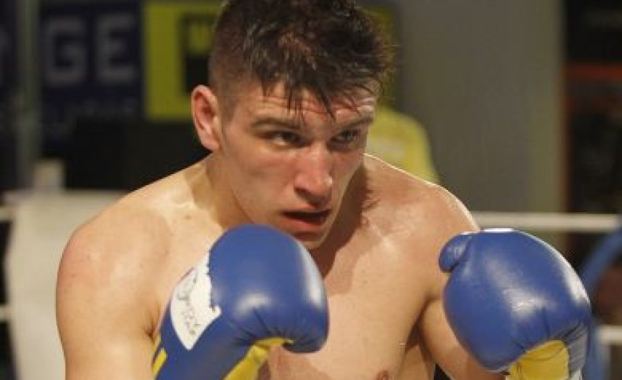 Nemesapáti kiütéssel védte WBC-övét