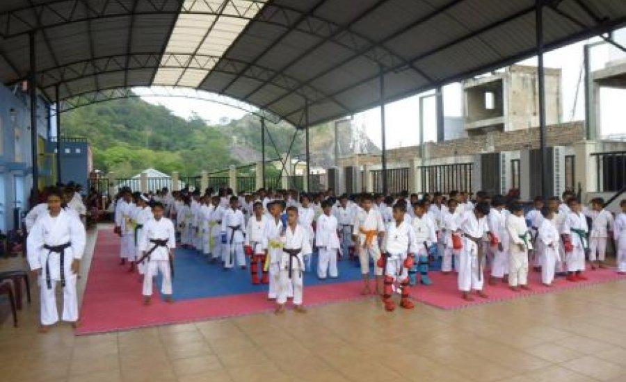 Sikeres Goju-Ryu tábor és dan vizsgák Sri Lankán
