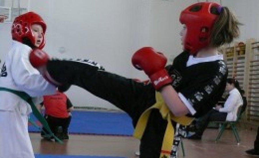 Megkezdődött az idei harcművész versenyidény Békés megyében