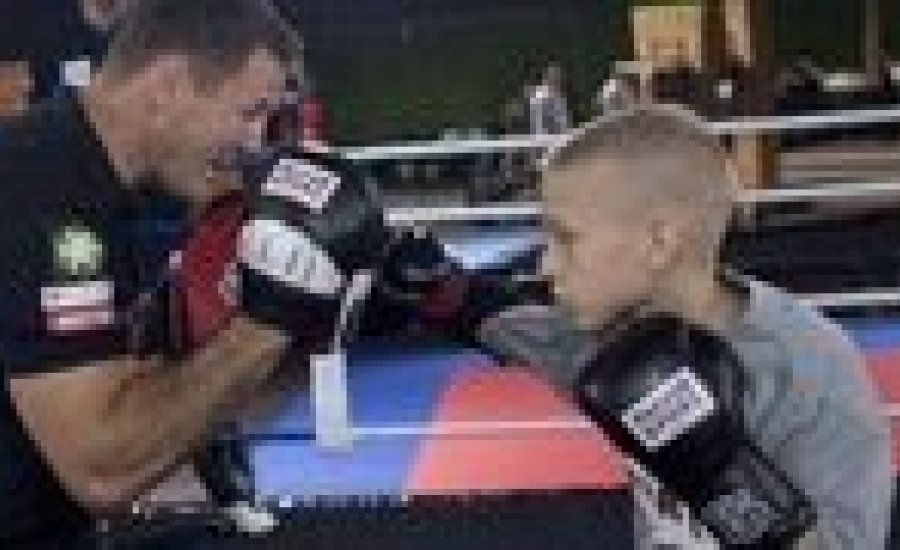 Erdei Zsolt edzése az ifjú K-1 csillaggal