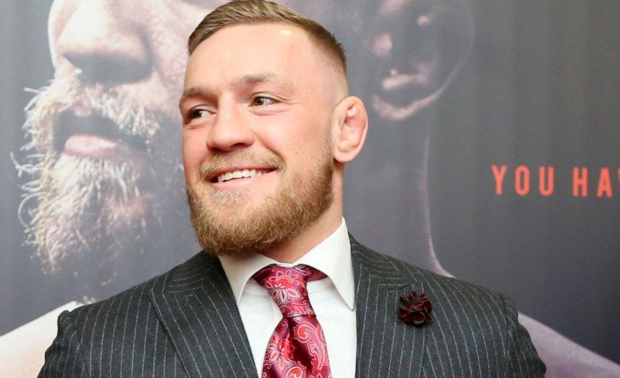 Conor McGregor bejelentette a januári küzdelmét, majd feltűnt a Fradi EL-meccsén