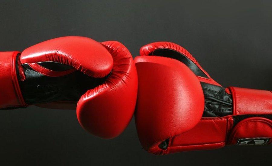 Villámgyors, de fordulatos bokszmeccs