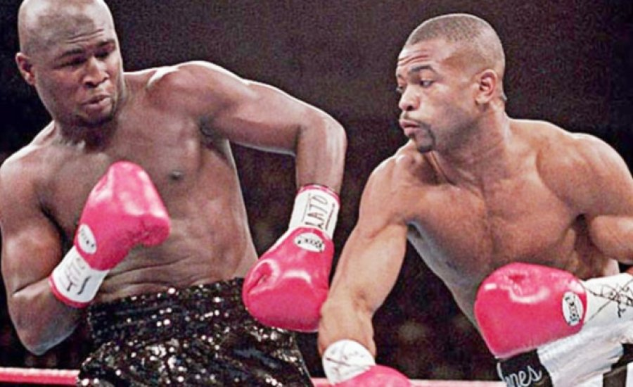 Classic Boxing: Roy Jones vs James Toney