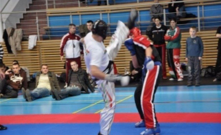 Izgalmas mérkőzések az SMR Kupa Kick-box Light-contact OB-n