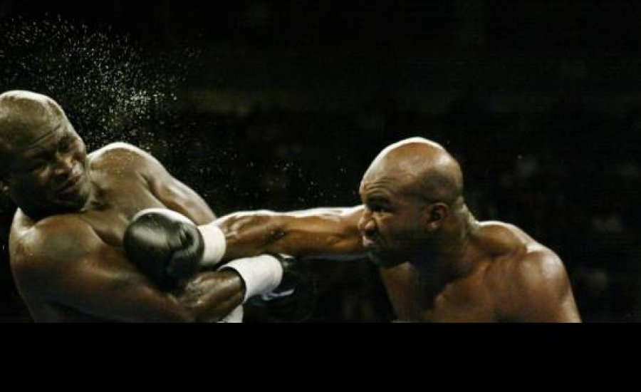 Classic Boxing: Evander Holyfield vs James Toney