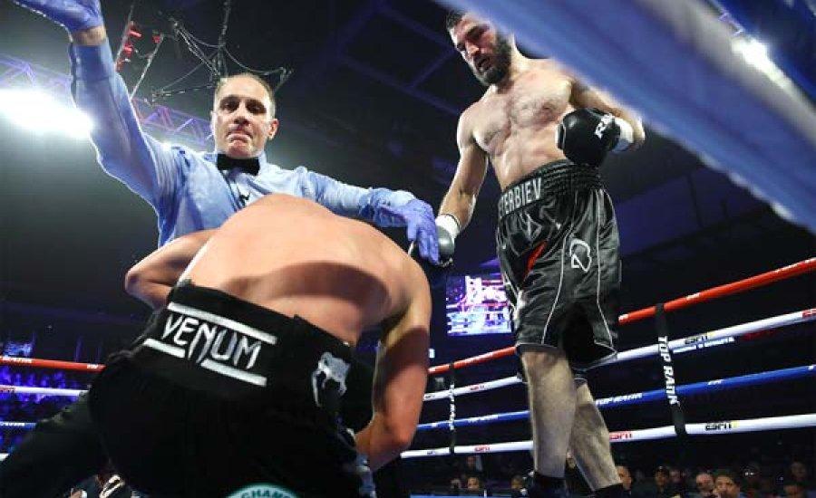 Artur Beterbiev egyesített világbajnok lett