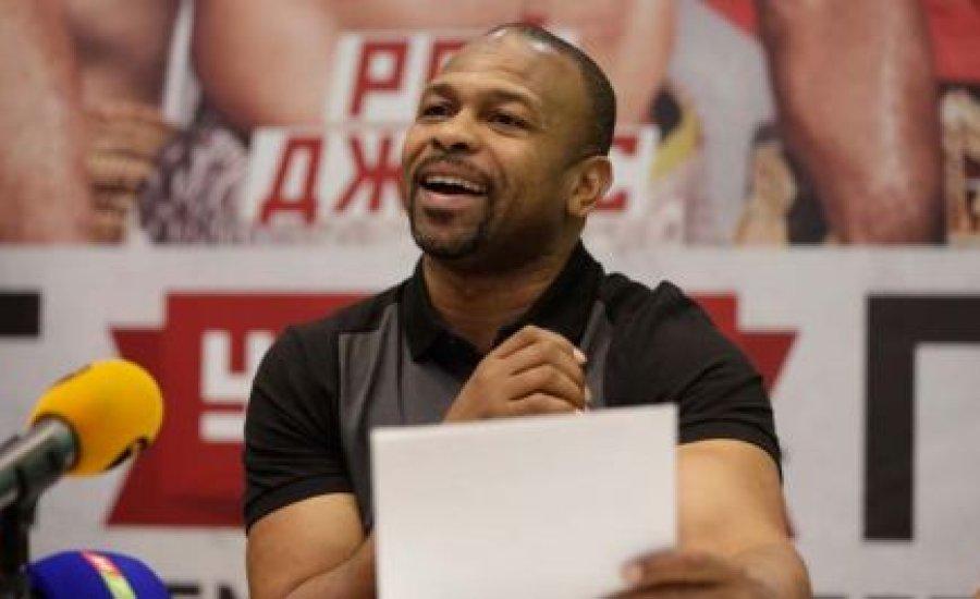 Kitiltották Ukrajnából Roy Jones Jr-t