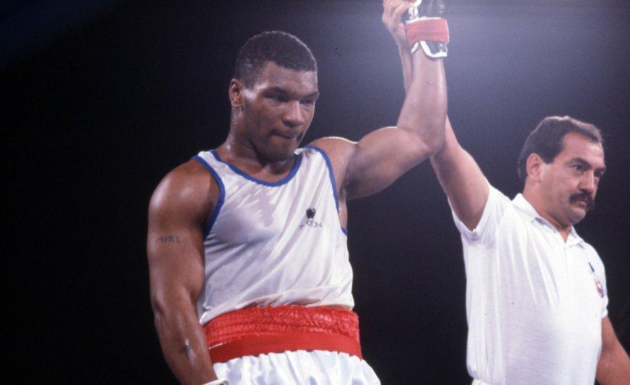 Mike Tyson 15 évesen az amatőrök között