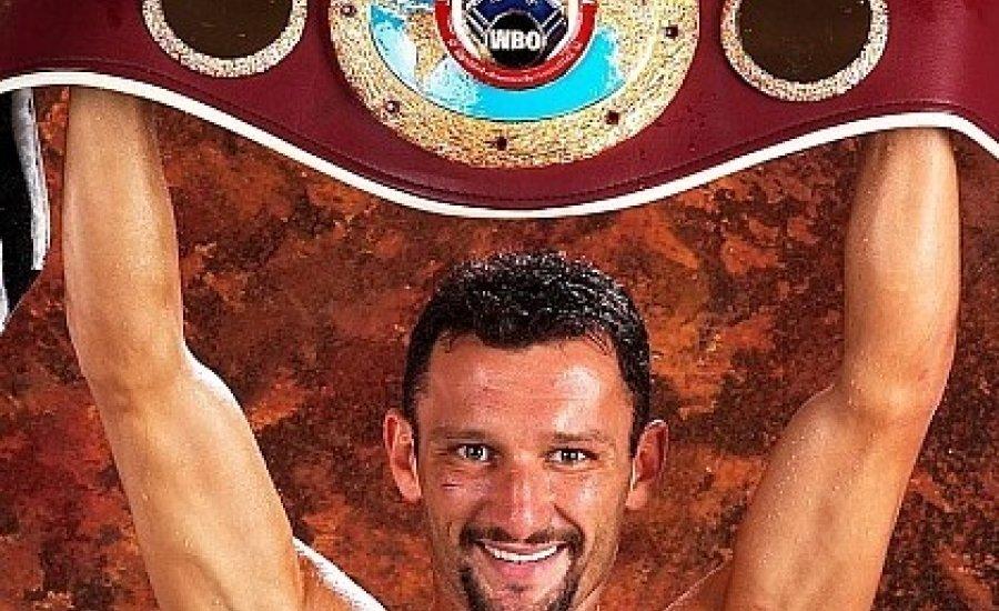 Classic Boxing: Koko vs Diaz