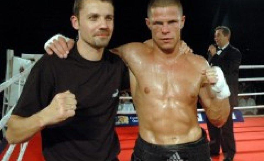 Szili István november 20-án bokszol ismét