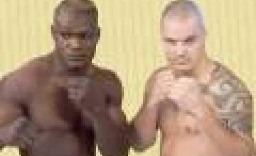 Palkó Attila veretlen afrikaival küzd
