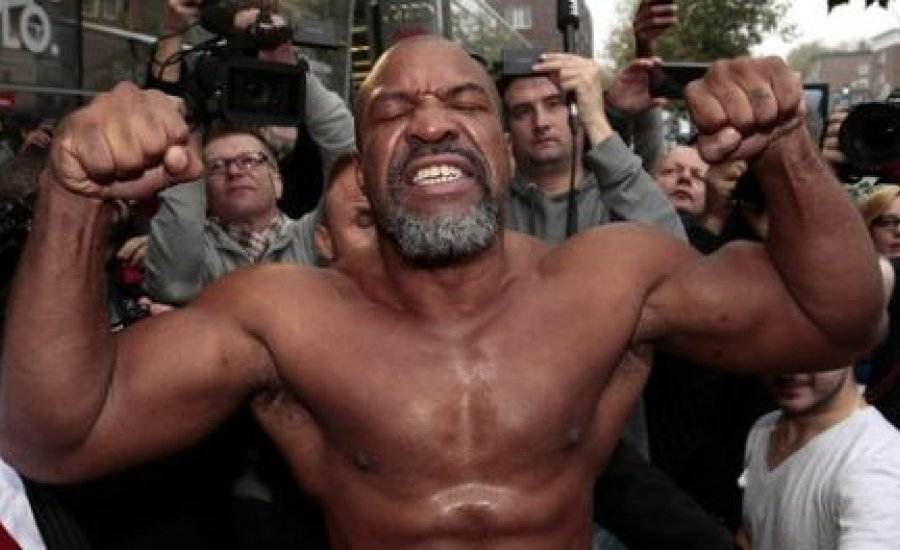 Vlagyimir Klicsko Amerikában bokszol, Briggs már készül