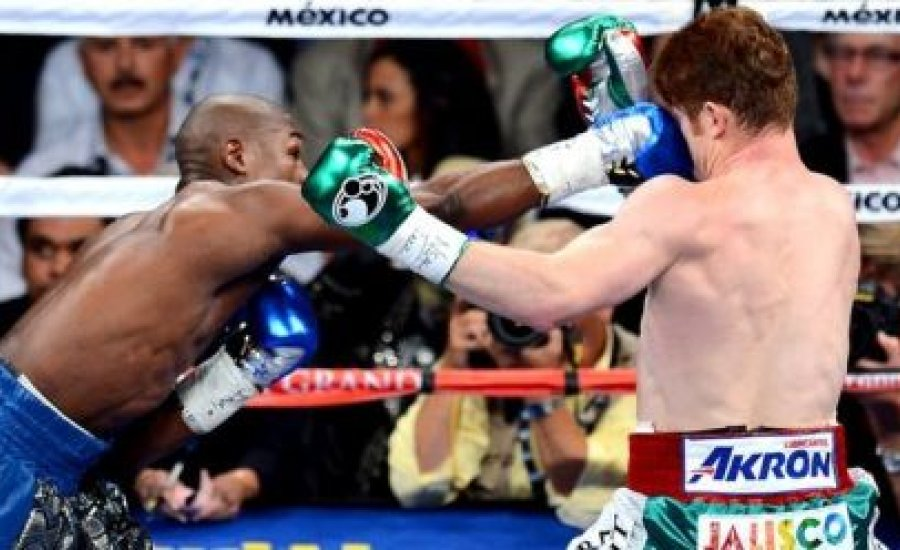 Floyd Mayweather könnyedén nyert Alvarez ellen