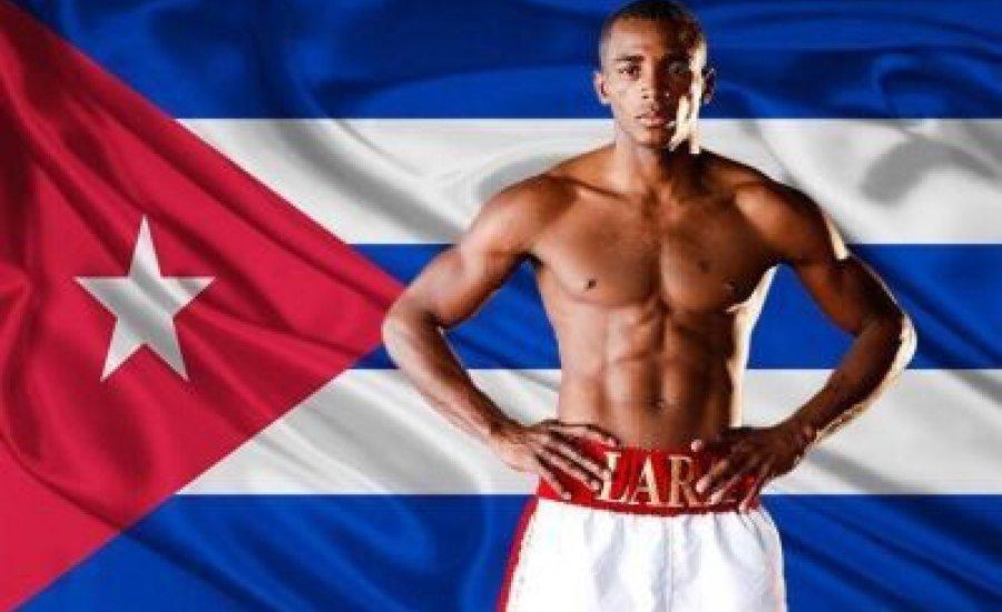 Lara novemberben bokszolhat