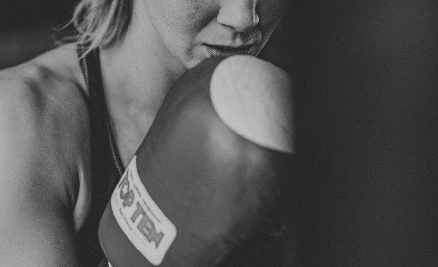 Visszavonul a kick-box világbajnok nyomozó