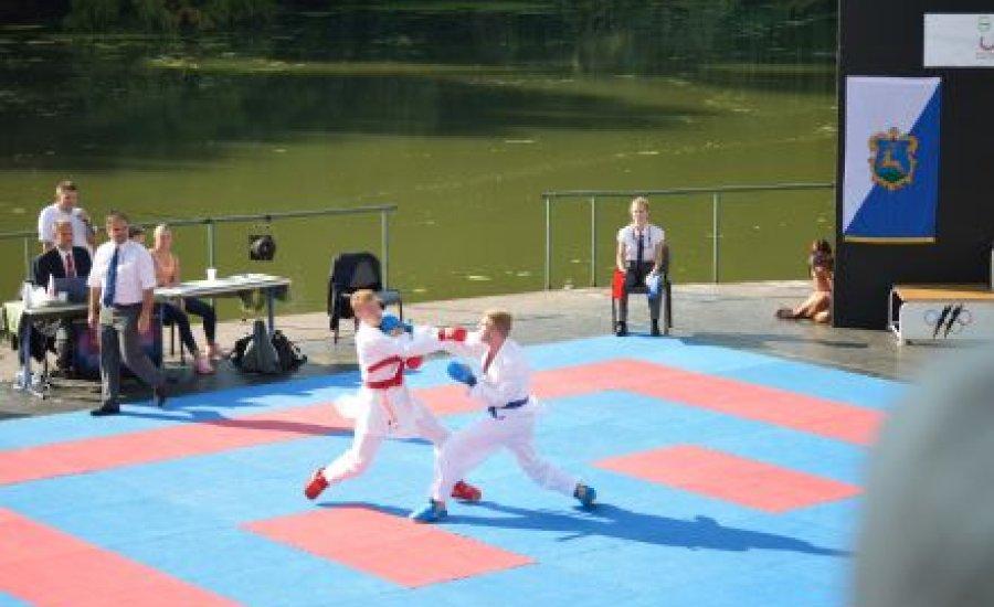 Karate a víz felett