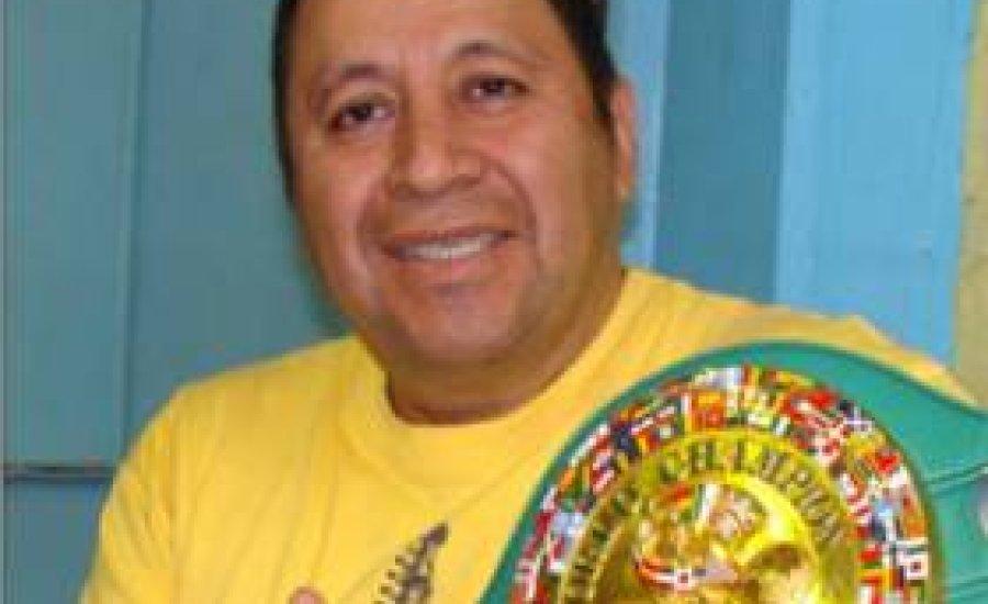Elhunyt a mexikói sztáredző