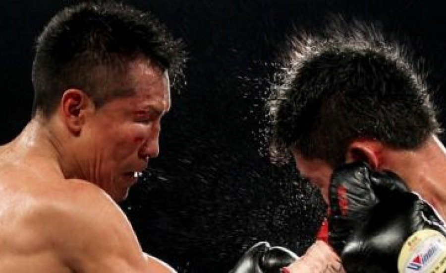 Hullámzó meccsen Vargas detronizálta Miurát