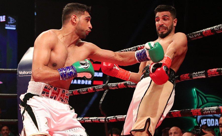 Amir Khan és Hughie Fury is idő előtt nyert