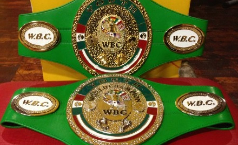 Már Budapesten a két WBC-öv