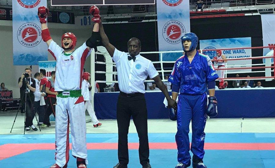 Sportdiplomáciai távlatok a fiatal kick-box világbajnok előtt