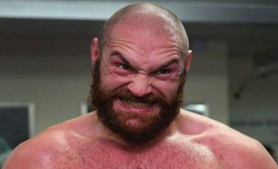 Tyson Fury visszalépéssel fenyegetőzött