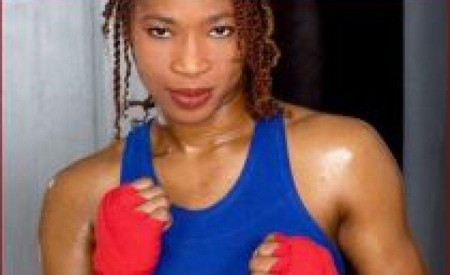 Ashley 48 évesen ismét vb-övet szerzett