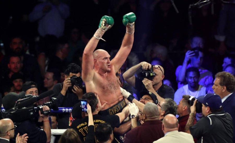 Szenzáció: Tyson Fury kiütötte Deontay Wilder-t