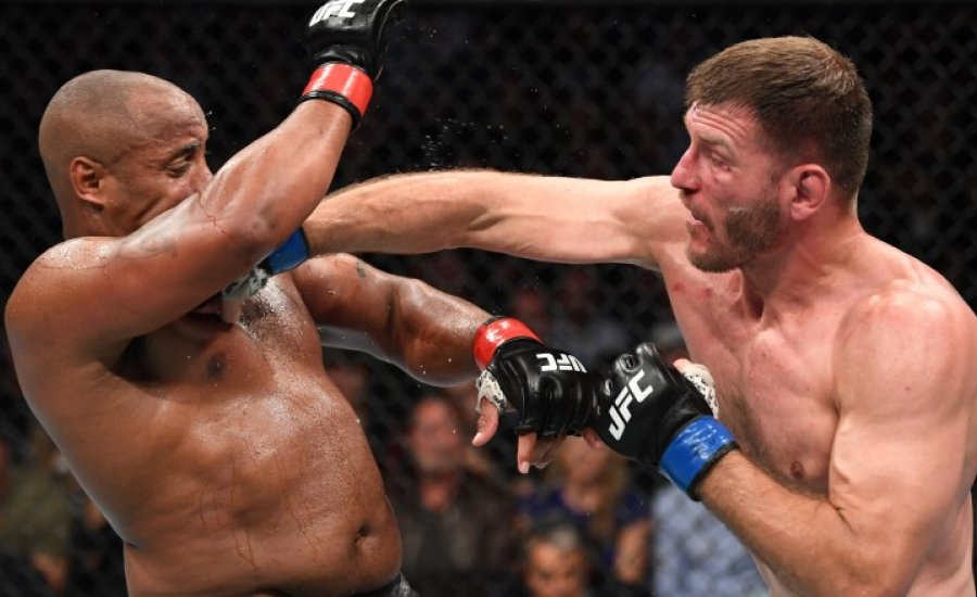 Miocic ismét nehézsúlyú UFC világbajnok