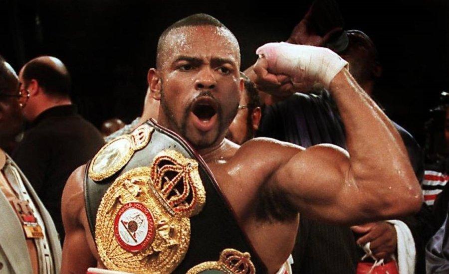 Roy Jones 2003-ban csak Mike Tyson miatt maradt volna nehézsúlyban